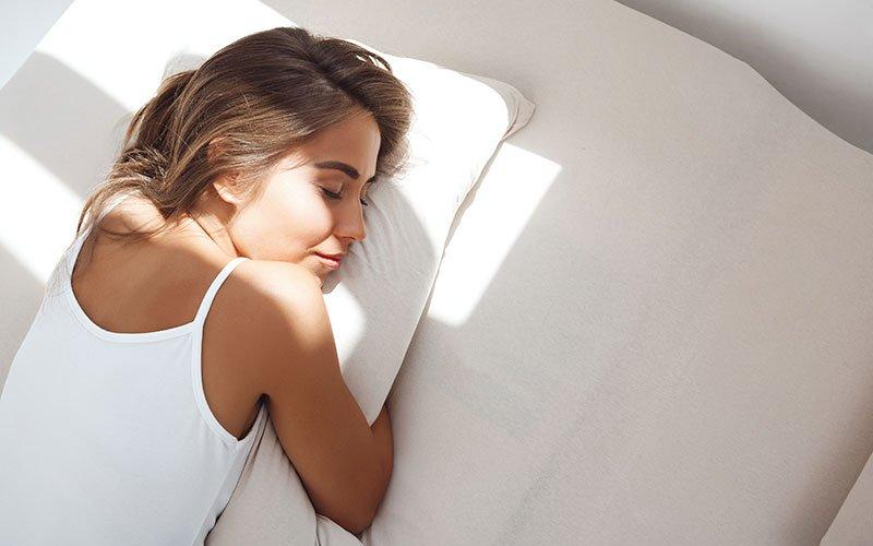 dormir-con-la-copa-menstrual